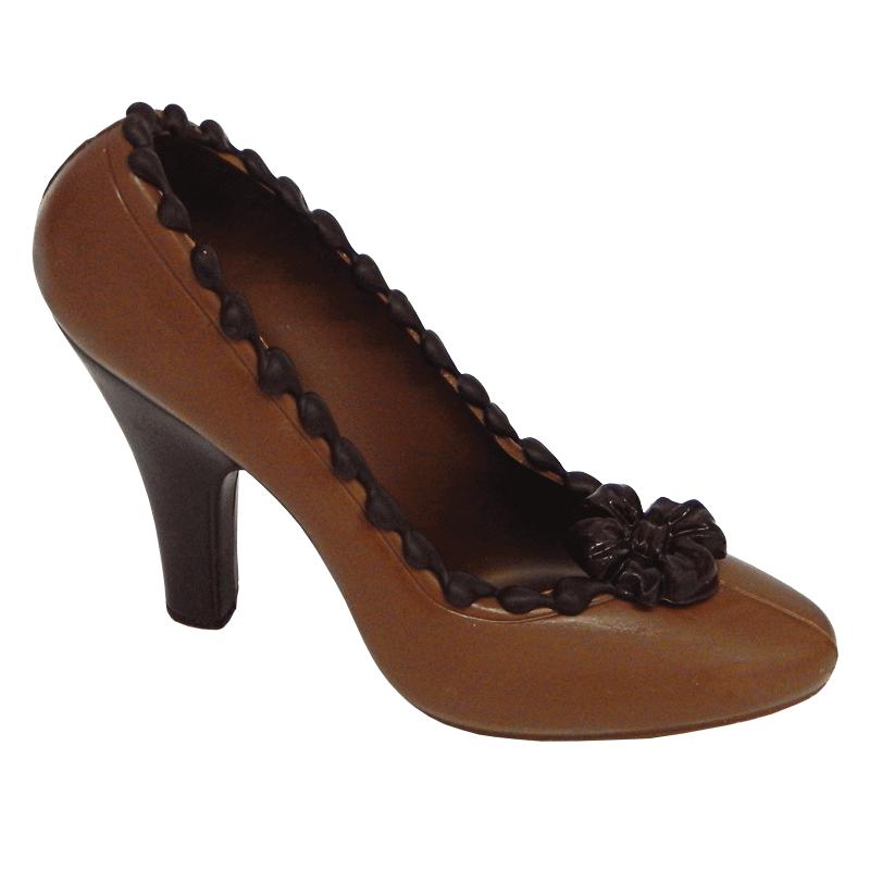 Brauner Schokoladen Schuh mit schwarzen Highlights