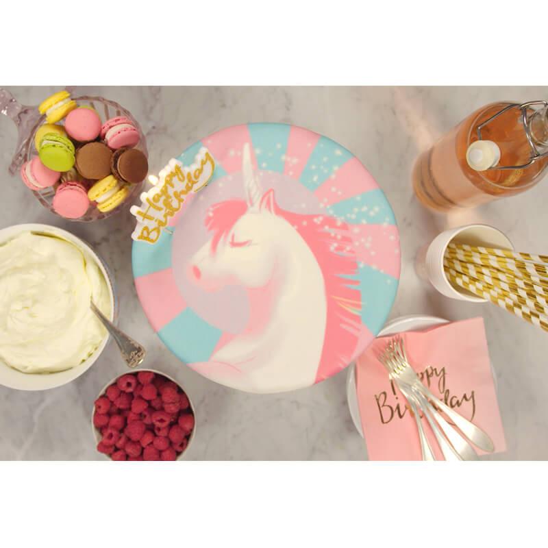 Einhorn-Torte auf Geburtstagsparty