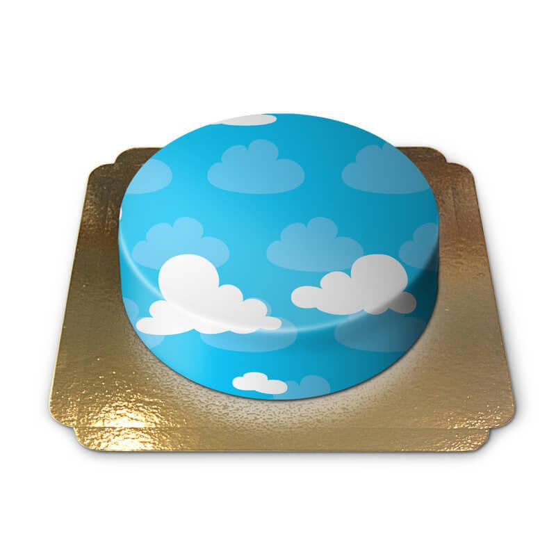 Niebieski tort w chmurki